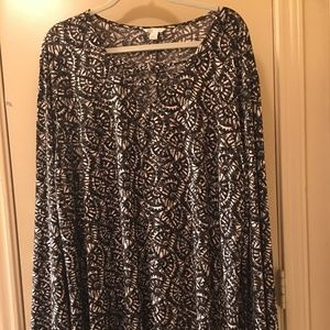Black, White, and Gray Print Tunic, Cato, 22/24W